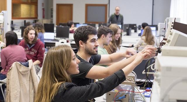 Alumnos Deusto Ingeniería Lantek