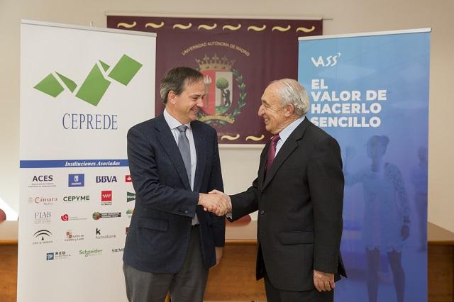 TIC Monitor Javier Latasa, presidente de VASS, y Antonio Pulido, director general de CEPREDE